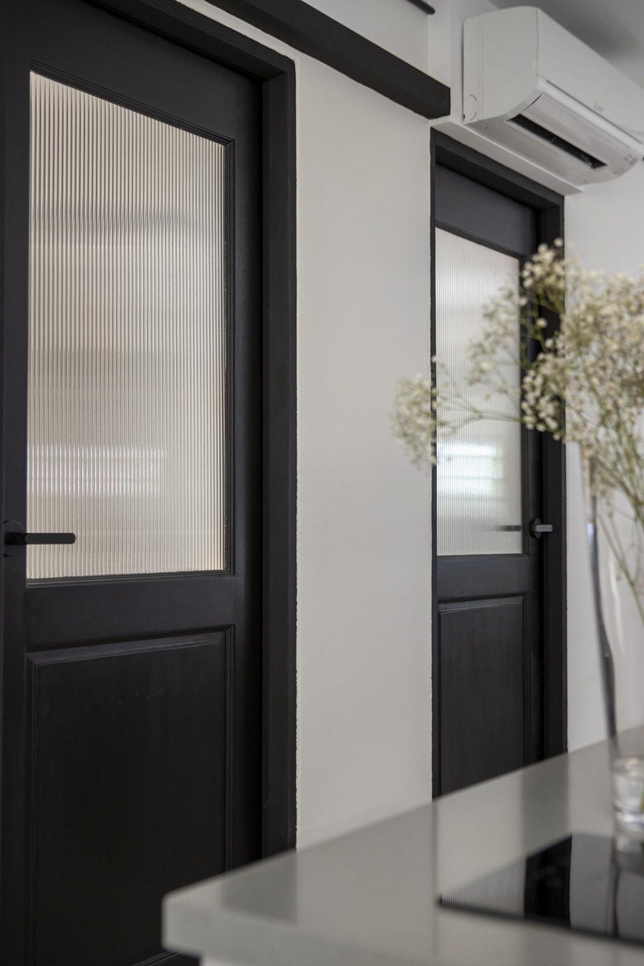 Serangoon Ave 2 doors